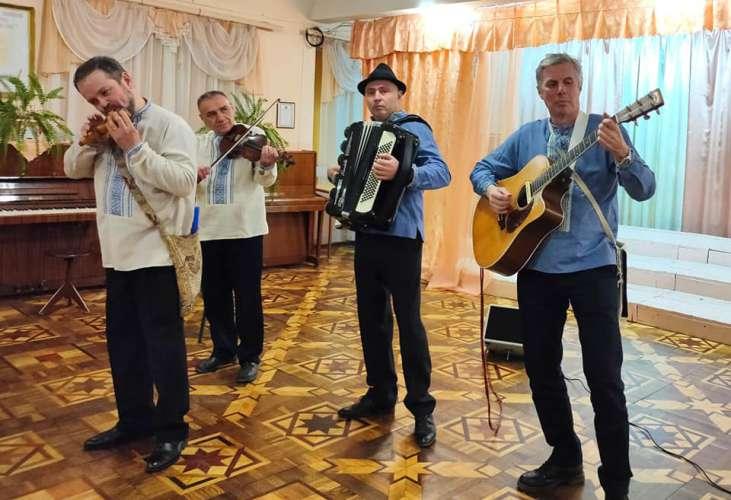 Аматорські колективи міста Ужгород успішно пройшли атестацію