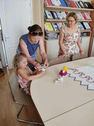 Майстер-клас з виготовлення ляльки-мотанки провели з нагоди Дня Конституції України