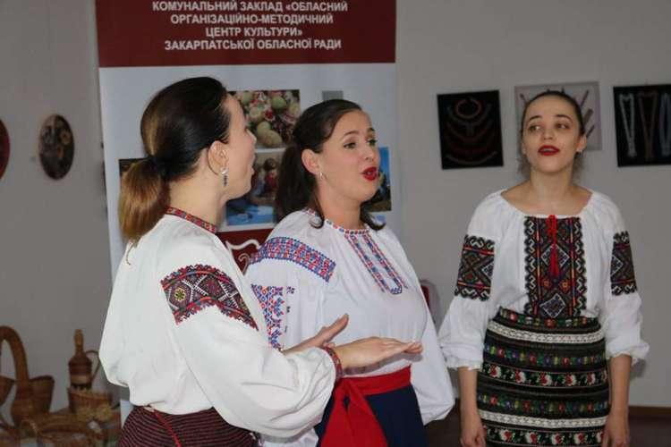 Презентували «Новоселицьку сливовицю» та «Боронявського шарханя»