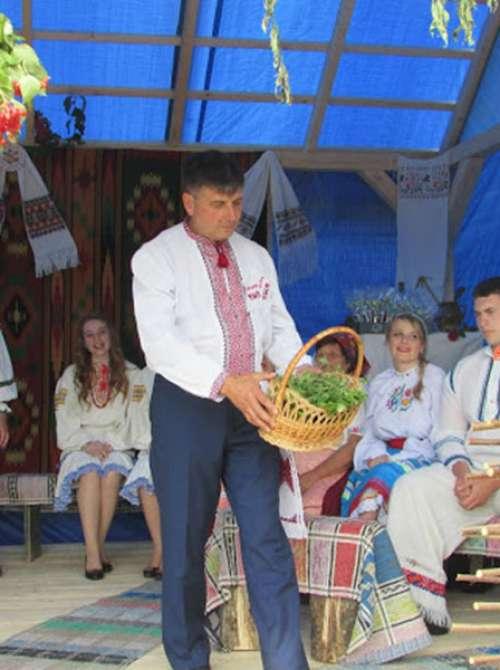Традиції весільних вінкоплетин с. Зарічово Перечинського району